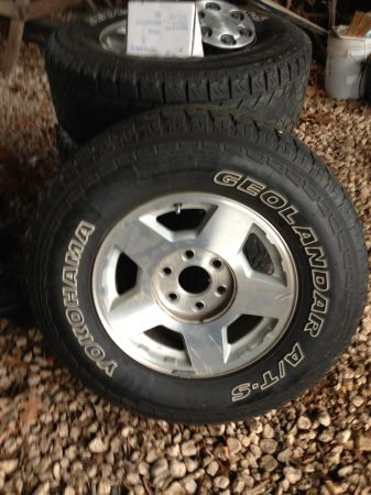 Factory silverado tires and rims - $300 (Bossier city)