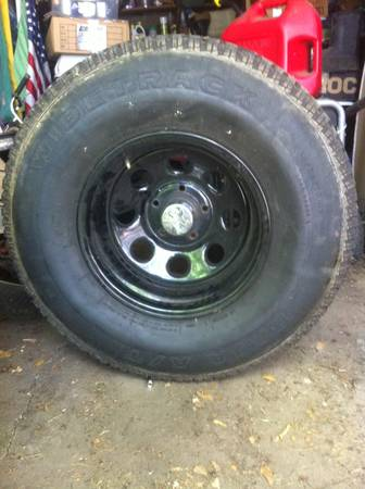 33 inch all terrain tires and pro comp rims - $800 (Shreveport)