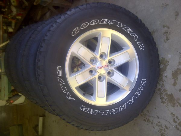2007 GMC rims and tires - $600 (Vivian, La)