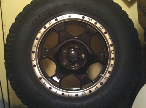 06-10 Jeep Grand Cherokee Tires Rims Wheels 5.7L Hemi 4x4 - $1000 (North Airline Dr, Bossier City)