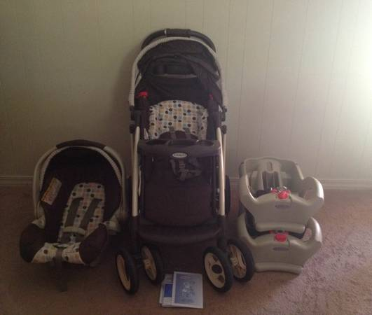 Graco Quattro Tour Stroller w Snug ride 35 carseat two bases. EXCELLENT C - $200