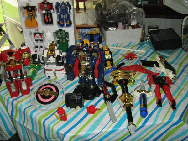TRANSFORMER TYPE TOYS, LIKE NEW - $10 (SOUTHERN HILLS)
