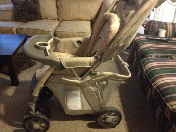 Safety First Deluxe baby stroller - $55 (United States)