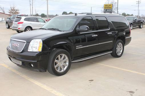 2010 GMC Yukon XL Denali DVD NAVIGATION - x002439900 (We Accept Trades and Financing W.A.C.)