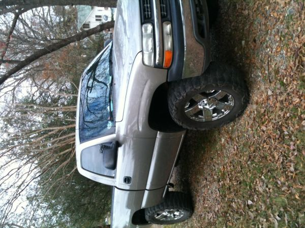 02 Chevy lifted 4x4 140k miles 20 xd 35 tires trade - $6500 (Mineral springs ar)