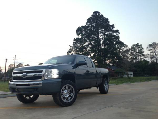 Lifted 2009 Silverado 1500 - 51k miles - $24000 (West Monroe, LA)