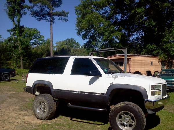 1993 lifted chevy blazer - $1 (doyline)