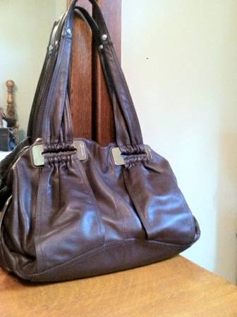 9668 DESIGNER PURSES9658 LEATHER 3 Styles, 5 Colors - $60 (North Bossier)