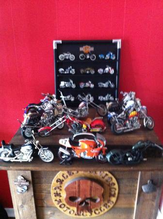large lot of harley davidson collectibles - $800 (shreveportbossier city)