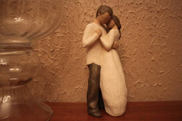 Willow Tree PROMISE Figurine - $10 (Highland)