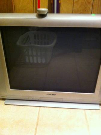 27 sharp tv - $50 (South Shreveport)