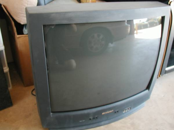 SHARP 27 INCH TV - $25 (SOUTH BOSSIER)