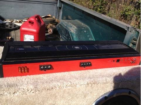 3600w DB drive Amp, 1400W Pioneer subs and capacitor - $350 (Bossier City)