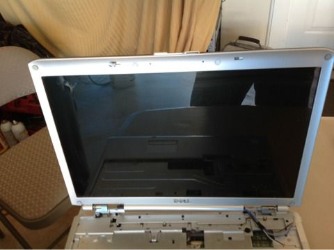Dell Inspiron 1720 parts computer. Battery, screen, keys, ... - $60 (South Bossier in Golden Meadows)