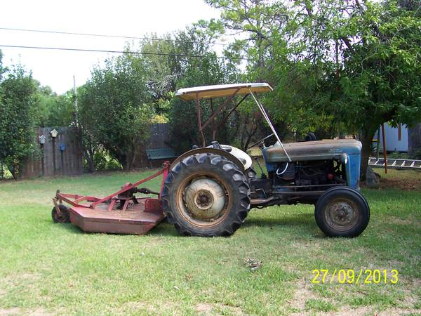 601 Ford tractor and bush hog - $2700 (South Bossier)