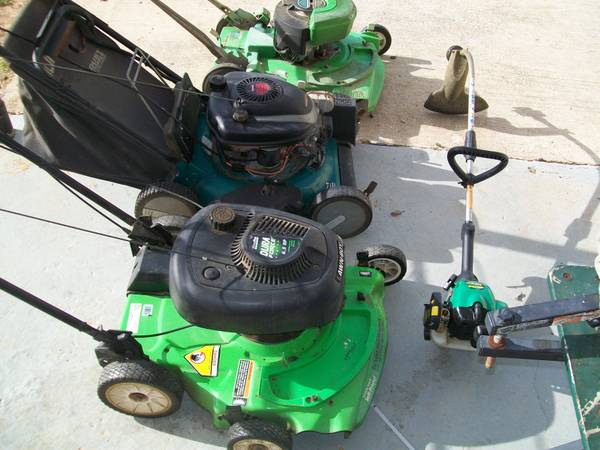 3 Lawnmowers 1 Weedeater for sale - $200 (South Bossier)