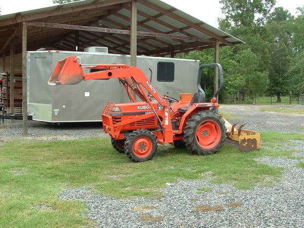 Kubota L2500 4WD with loader - $9200 (Blanchard)
