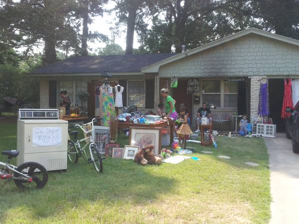 HUGE GARAGE SALE AGAIN SUNDAY THE 18TH (9521 Cinnamon Drive)