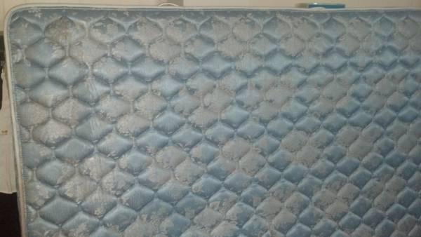 Sealy Posturepedic Queen Size Mattress - $60 (Shreveport)