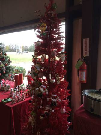 Red Christmas Tree - Ornaments optional - $100 (South Bossier )