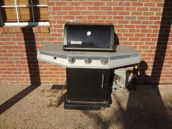 Furniture,grill and wreaths - $5 (Benton)