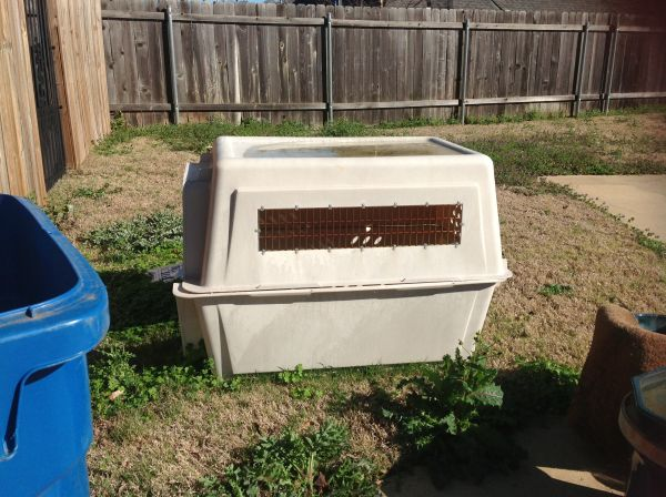 MUST SELL - Giant Dog Kennel - $75 (North Bossier)