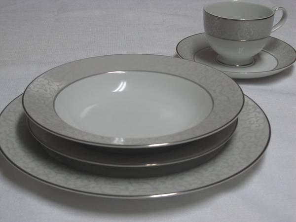 China - 10 (5-pc) place settings, 5-pc serving set - Mikasa Parchment - $250 (Stephens, AR)