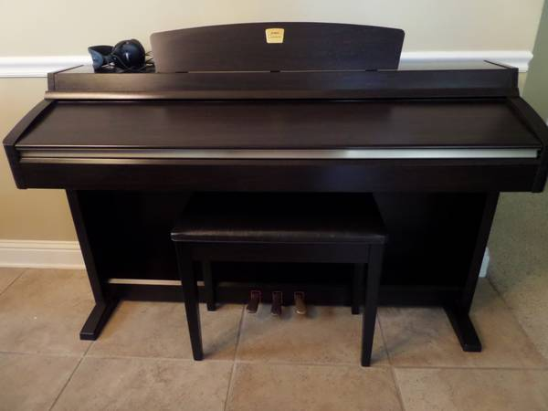 NEW Condition Yamaha Clavinova 88 Weighted Key Digital Piano OBO - $1000 (Forest Hills, Haughton, LA)