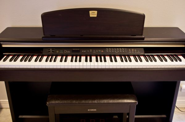 Yamaha Clavinova CLP-130 Digital Piano and Bench - $1000 (South Shreveport)
