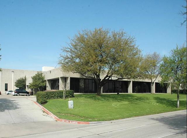 Huge Open LayoutLas Colinas Corner Office full of windows Best Rate  Move-in Special