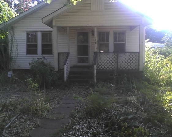 - $28000  2br - 1700ftsup2 - REDUCED  (1201 Price St Texarkana, AR)