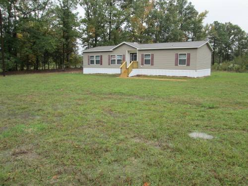 x002469900  3br - 1600ftsup2 - Big 32 on 3 acres located in Quite Country Setting   MUST SELL (MArshall, Texas  9037147873)