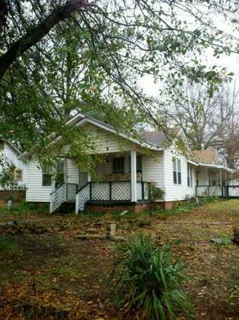 $30000 2br - 1700ftsup2 - MUST SEE TO APPRECIATE (1201 Price St Texarkana, AR)