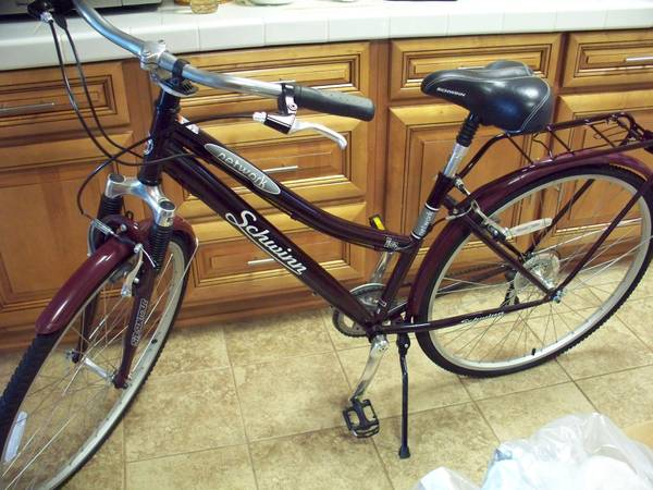 Schwinn Womens Hybrid Bike (700C Wheels) - x0024250 (Nashville, AR.)