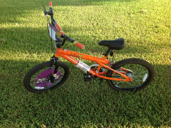 Avigo Striker X 20 inch Boys BMX Bicycle - $45 (TylerChapel Hill)