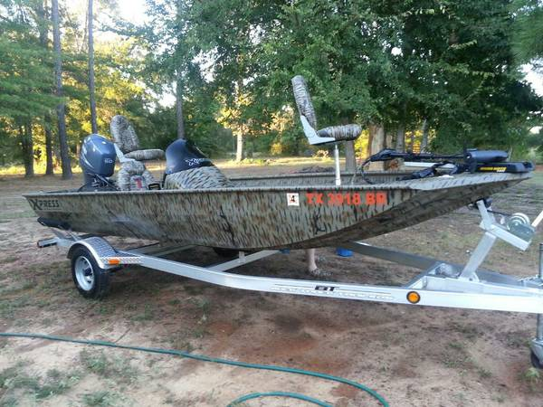 2012 XPRESS XP170 17 ft. DuckBass Boat - $14000 (Texarkana)