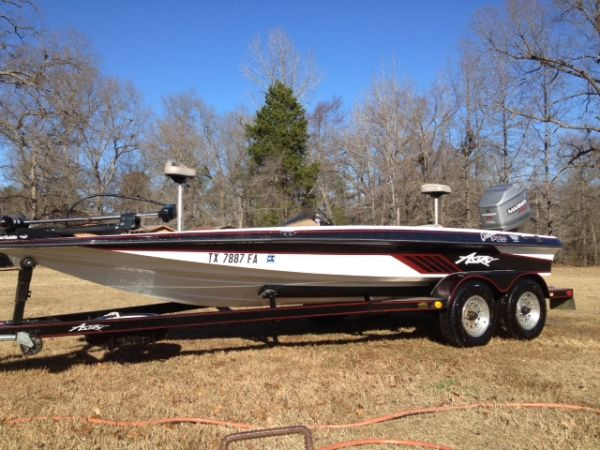 1996 Astro Bass Boat W 200 Mariner - $7800 (Redwater)
