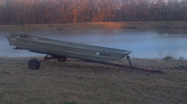 14ft flat bottom jon boat with trailer - $500 (Bryan County)