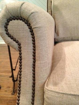 Bernhardt Sofa (Couch) Chair nailhead trim, like new - $1800 (Texarkana, Texas)