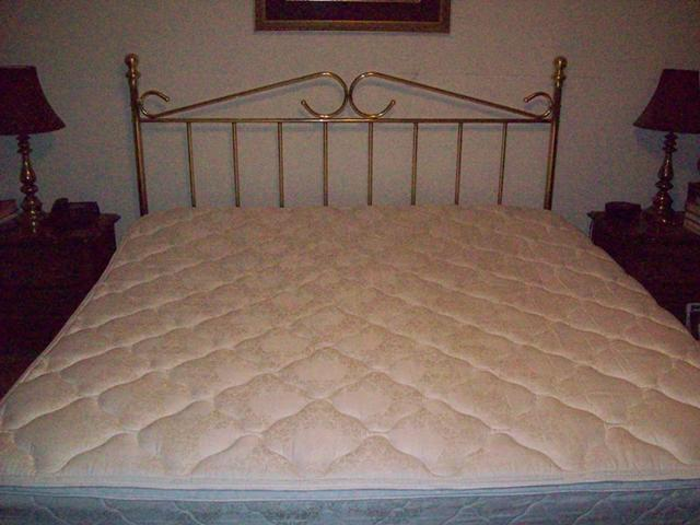 $125, King Size Bed with Pillow Top Mattress and Brass Headboard Good Condition