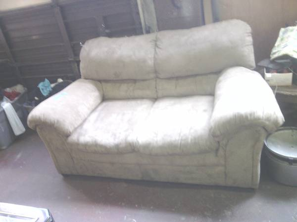 Tan Suede Love Seat - $30 (Texarkana, Ar.)