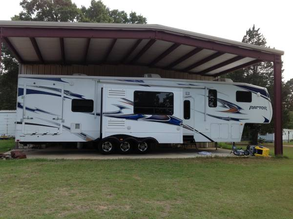 2011 Keystone Raptor 400 Toy Hauler- Needs to Sell - $42500 (Woodlawn, Texas)