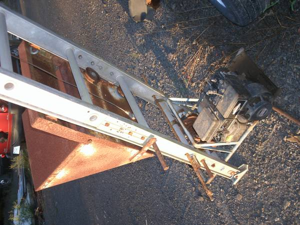 LADDERVATOR, LADDER, LIFT, HOIST - $600 (SE OK.)