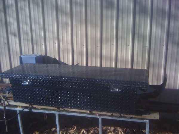 black diamond plate truck tool box - $150 (texarkana )