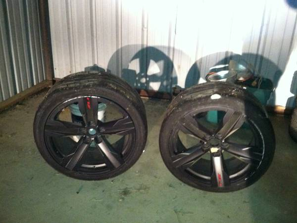2013 zl1 camaro wheels - $250 (paris)