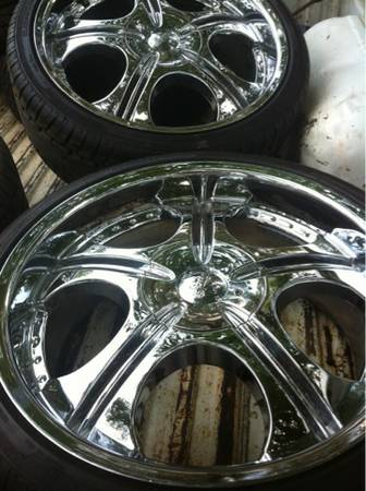 20 inch 5 lug 5150 rims and NEW tries - $750 (Ruston)