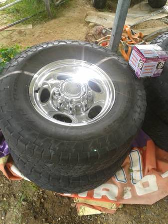 Ford 8 lug wheels and Nitto Tires - $250 (Fulton Arkansas)