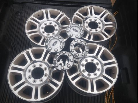 KING RANCH FORD F250 8 LUG 20 INCH FACTORY WHEELS W CAPS - $800 (HOT SPRINGS)