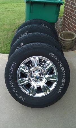 Ford F-150 18 Factory Chrome Wheels - $600 (Texarkana, TX)