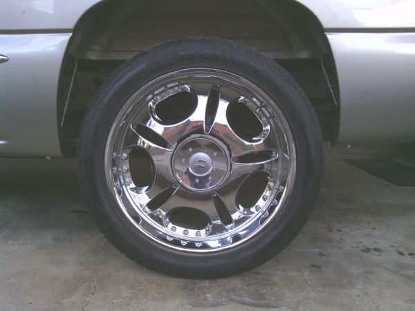 COME GETEM 23INCH CHROME AND 6 LUG - $1 (TRADES)